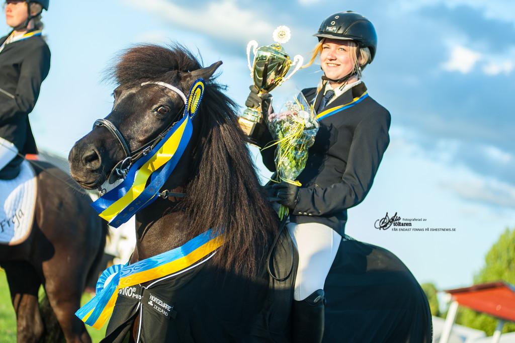 Glada vinnare av PP1J / foto: Sofie Lahtinen Carlsson www.toltaren.wordpress.com