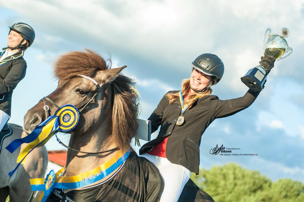 Minst lika glad: Elise Harrysson / foto: Sofie Lahtinen Carlsson www.toltaren.wordpress.com