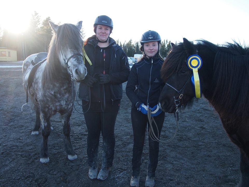 Ungom svår tölt vanns av Linda Ros och Snotra och kompisen Elina med Oskadis kom trea.