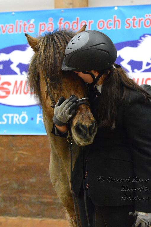 Marwin får en segerpuss Foto: Zanna Hofvander