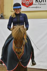 Caroline Engvall ochVördur frá Sandholaferju Foto: Zanna Hofvander/Zannasfoto.se