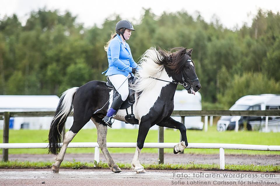 På tredje plats i T3 Ungdom. Cornelia Amén och Òdinn frá Efri-Hrepp, 5.17
