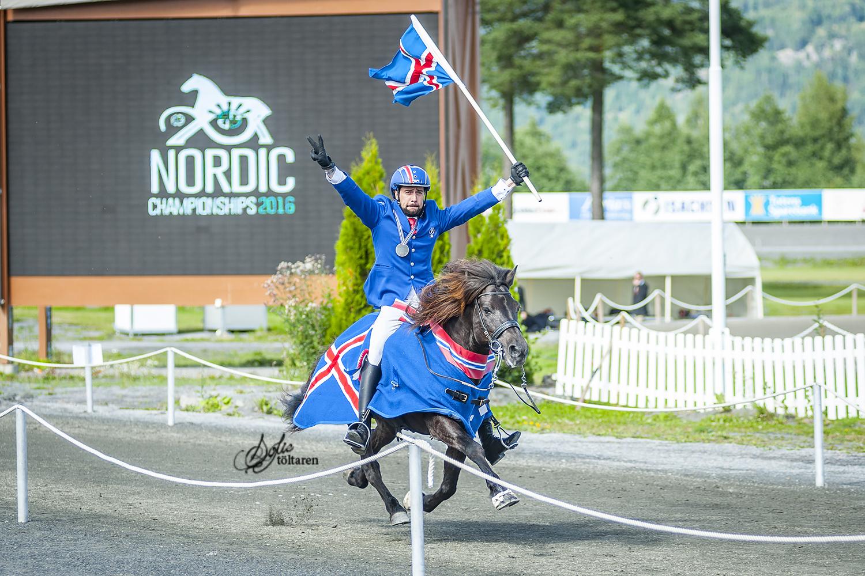 Så här glad blir man! Och Kristall, han bara fortsätter i pass Foto: Sofie Lahtinen Carlsson