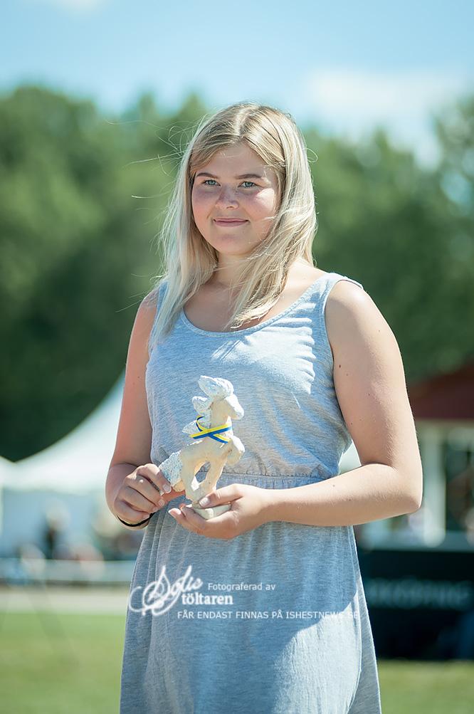 Jonna Torvaldsson vann domarnas pris för young rider... / foto: Sofie Lahtinen Carlsson, www.toltaren.wordpress.com