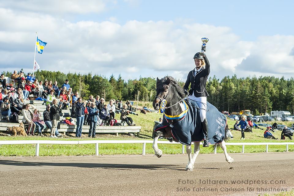 Svenska Mästarna i Tonårsklassen. och Elsa Teverud.