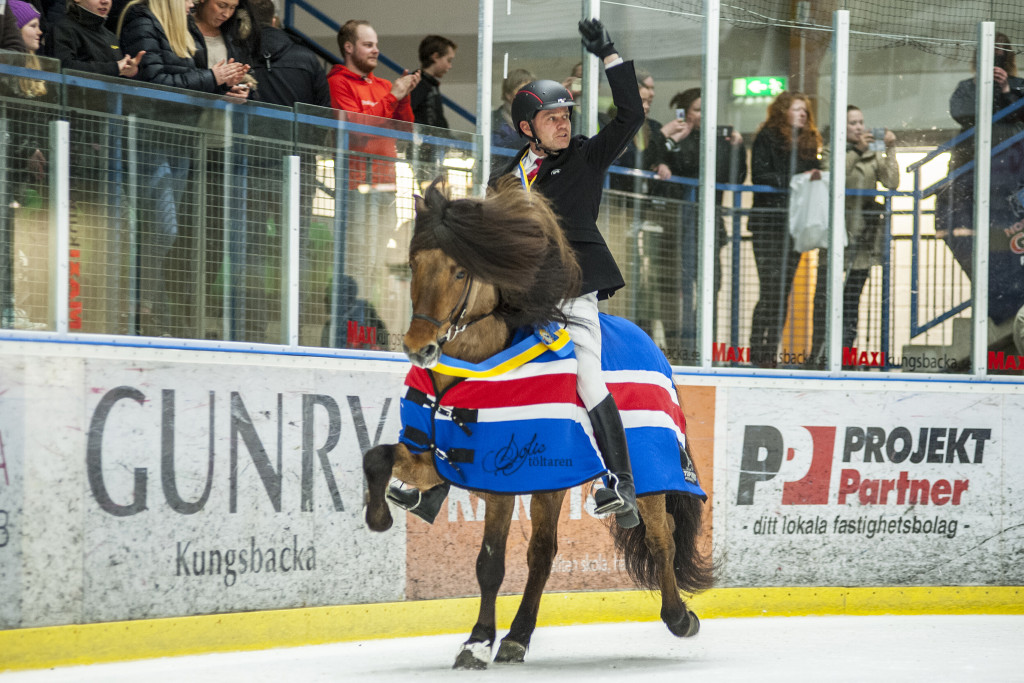 2016's stora vinnare - Johann R Skulason och Hnokki som fick hela 9,39 i Beauty Tölt på is.
