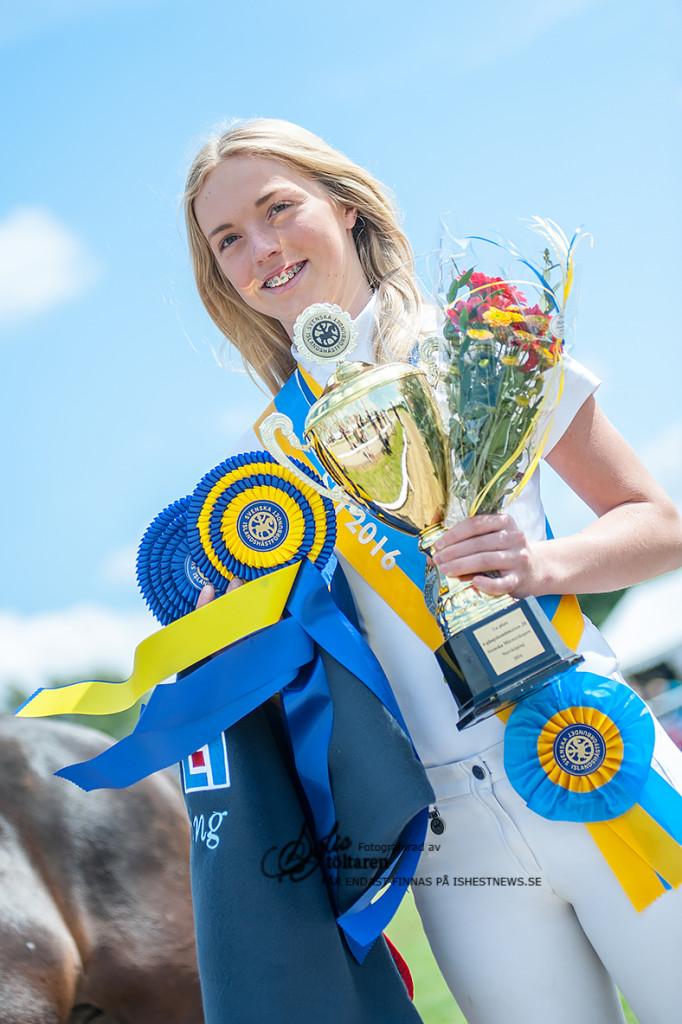 Yrsa Danielsson  - Vinnare av fyrgångskombinationen för Juniorer / foto: Sofie Lahtinen Carlsson, www.toltaren.wordpress.com