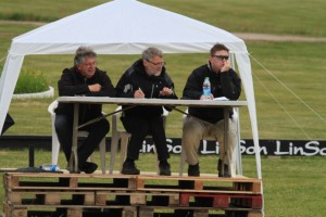 Domarna för dagen: Johannes Hoyos, John Siiger Hansen och Hallgrimur Svein Sveinsson Foto: Yvonne Benzian/ishestnews.se