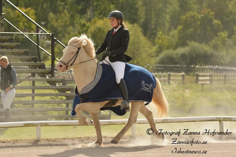 Elin Rydén och Birkir, klubbmästare Young Rider Foto: Zanna Hofvander