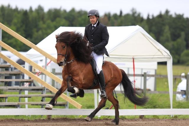 En galopp som heter duga! Eyjolfur och Hlekkur. Foto: Ishestnews.se