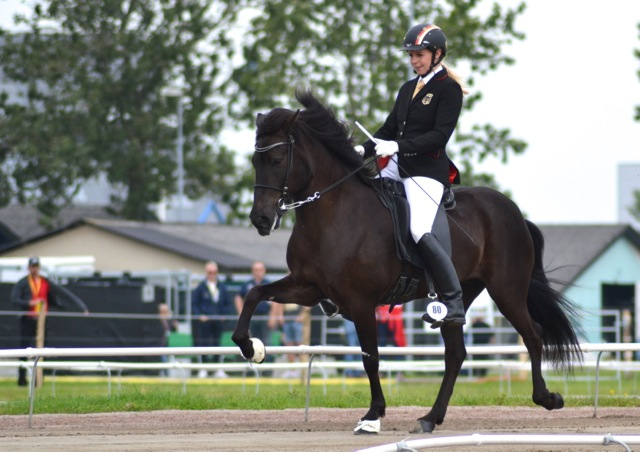 Regerande Världsmästarna Frauke Schentzel på Óskadis frá Habichtswald. Än så länge i B-final. Foto: Ishestnews.se