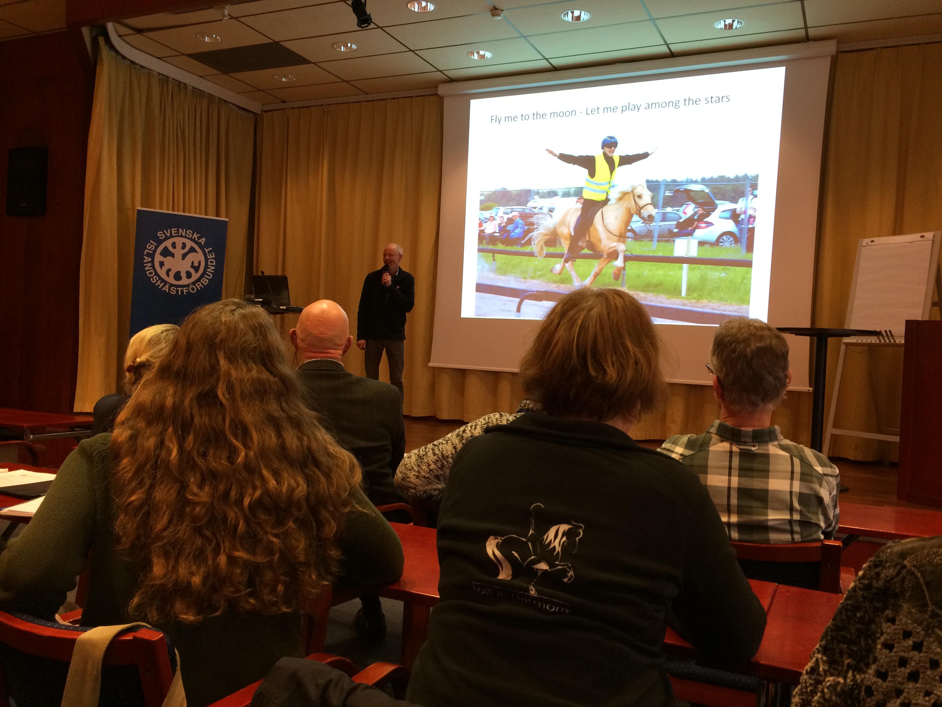 Thorvaldur föreläste om aktuell avelsstatistik Foto: Christina Rohdin-Alm