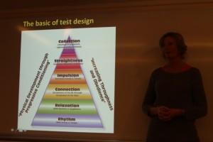 Lena Lennartsson presenterar hur man kan komma att ta hänsyn till utbildningstrappan i den nya handledningen.