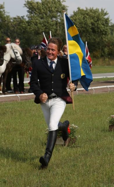 Magnús har bråttom till prispallen. Foto: Yvonne Benzian/ishestnews.se