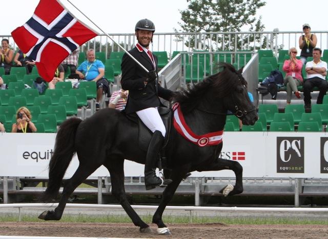Nils-Christian, en leende Nordisk Mästare. Foto: Anette Alsterå/ishestnews.se
