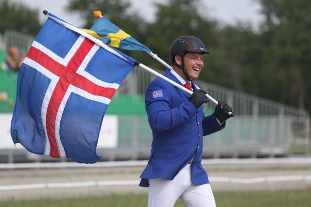 När hästen tappar skon får man gå själv. Foto: Anette Alsterå/ishestnews.se