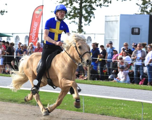 Nära världsrekordet 21.50. Thorvaldur fick 21.62 och var snabbast idag. Foto: Ishestnews.se