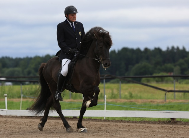 Vignir och Ivan på fjärde plats so far! Foto: Ishestnews.se
