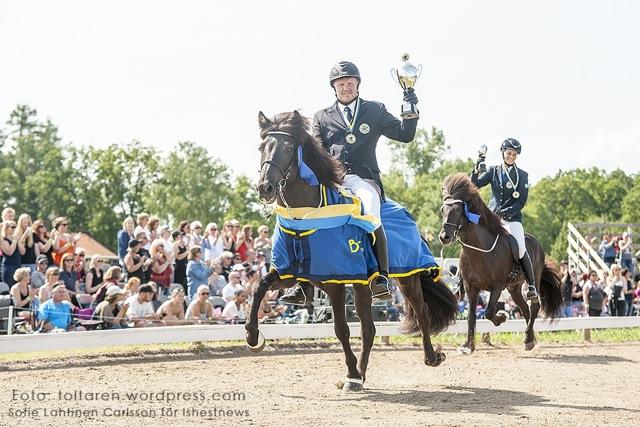 Svenska Mästaren Vignir och silvermedaljören Josefin! Foto: Sofie Lahtinen Carlsson/www.toltaren.wordpress.com